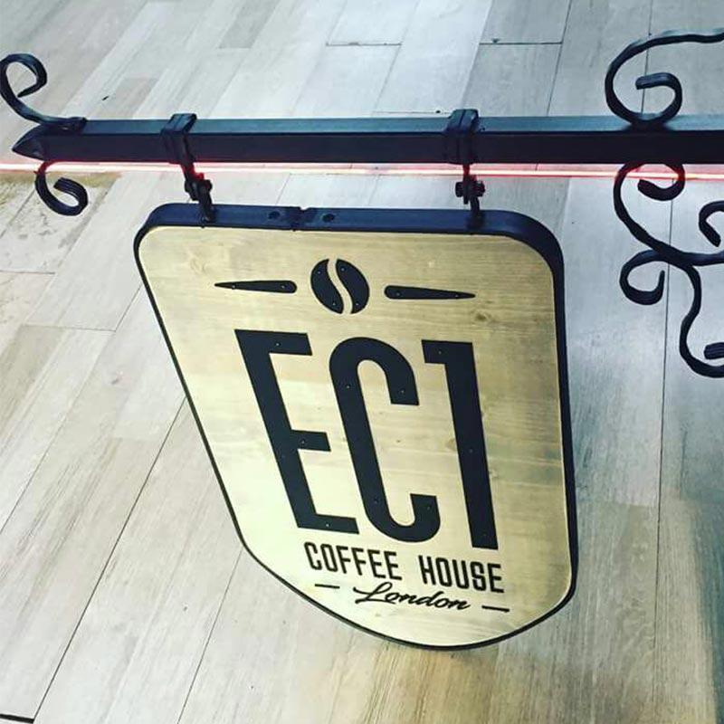 ec1-002